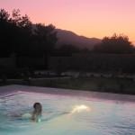 Güneş Batarken Havuz Keyfi - Sunset Swimming Pleasure